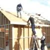Чим і як краще покрити дах гаража?
